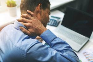 jak łagodzić ból pleców