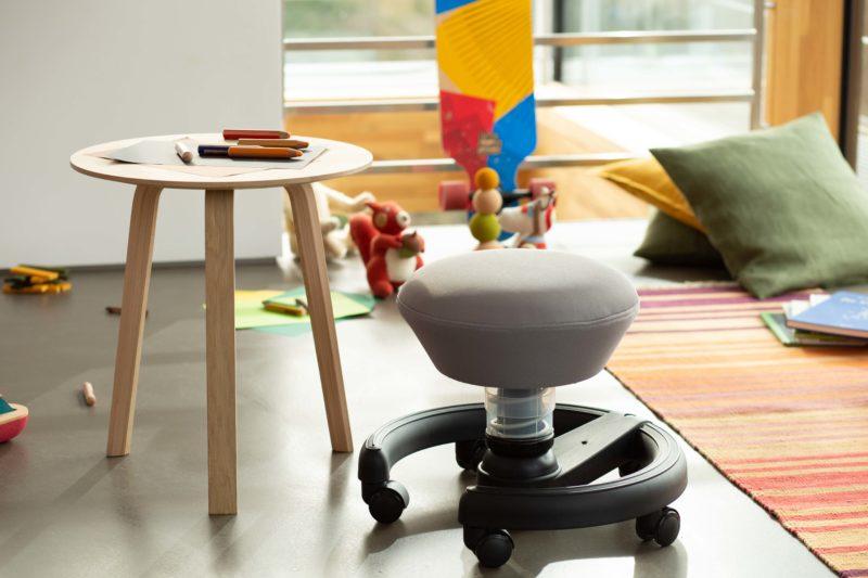 Swoppster desk 01 fotel dla dzieci